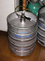 http://fukuma.way-nifty.com/fukumas_daily_record/images/beer_keg_thumb.jpg