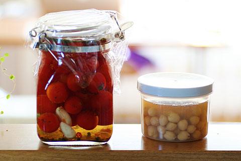 Gram_and_tomatos