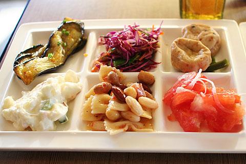 Smorgasbord_salad