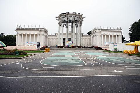Uzbekistan_pavillion_2