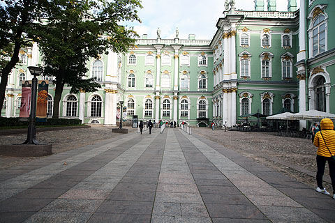 Hermitage_museum_cortile