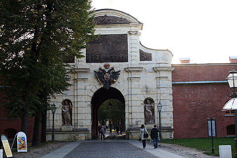Peter_and_paul_fortress_gate