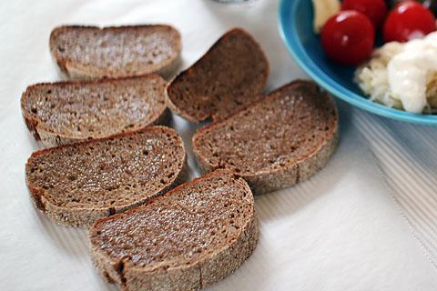 Rye_bread_6